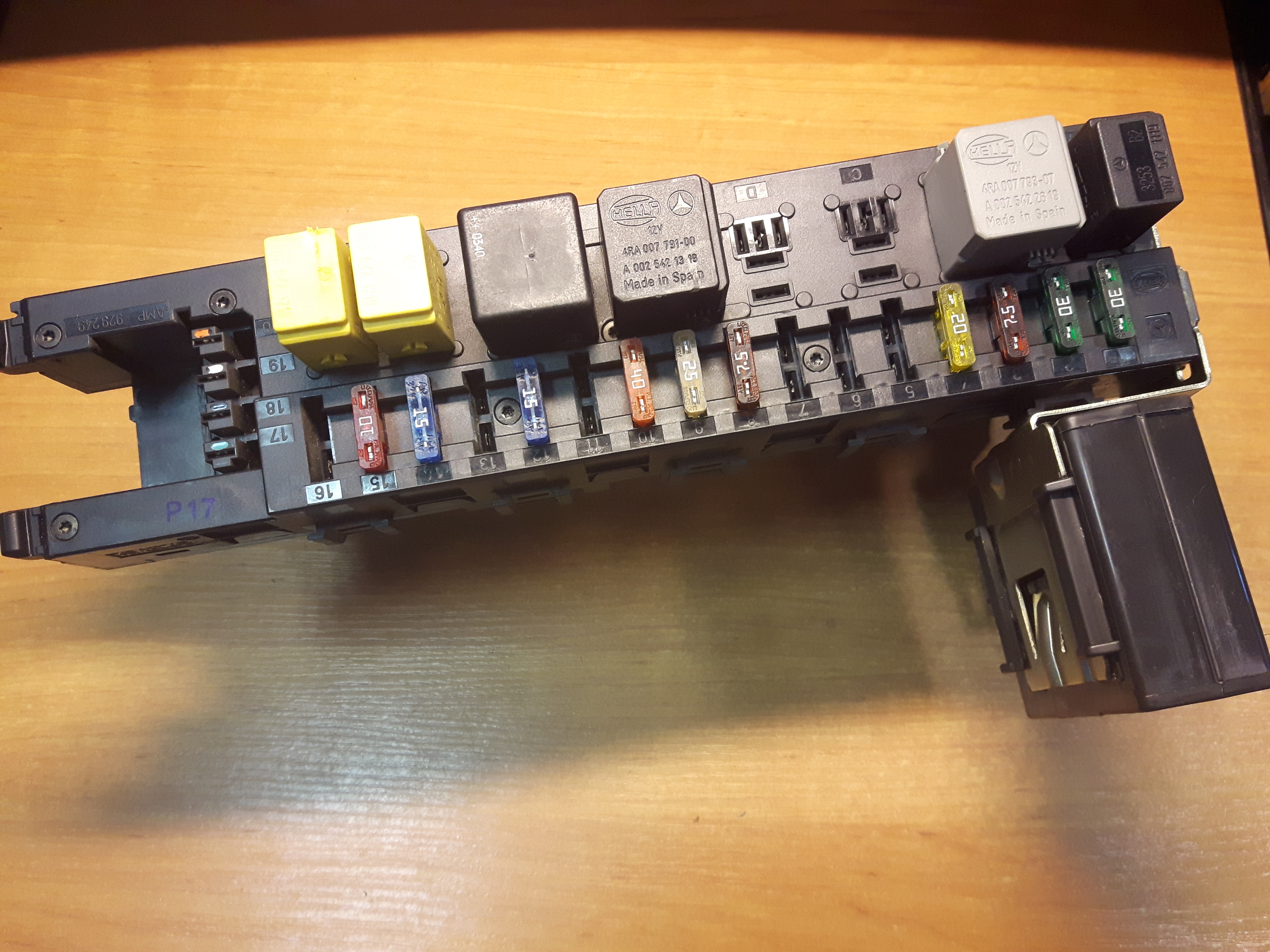 Mercedes W203 Fuse Box Wiring Library Toyota Corolla Nze C200 20 Cdi Turbo Diesel 2095450701 Price